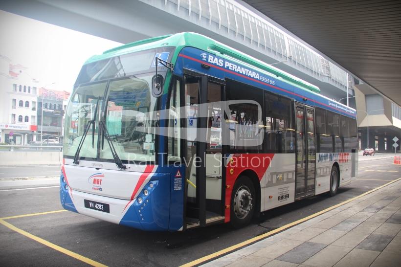 mrt-sbk-line-feeder-bus-blank-01