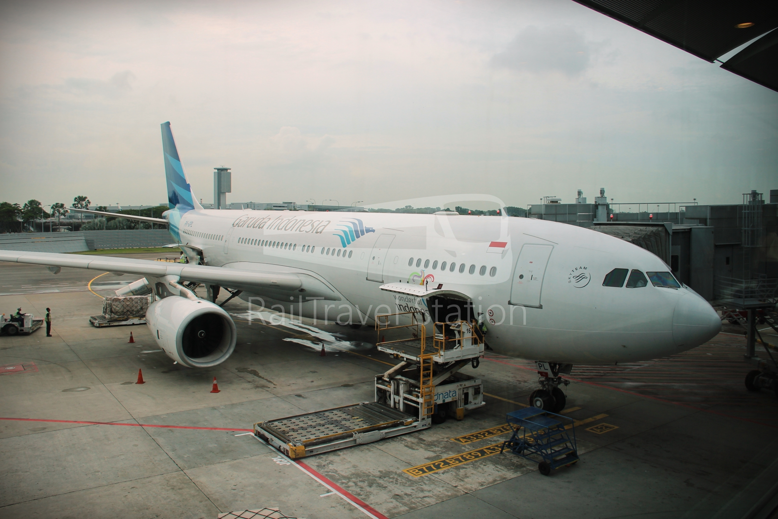 Garuda Indonesia GA825: Singapore to Jakarta Soekarno-Hatta by Airbus A330-200