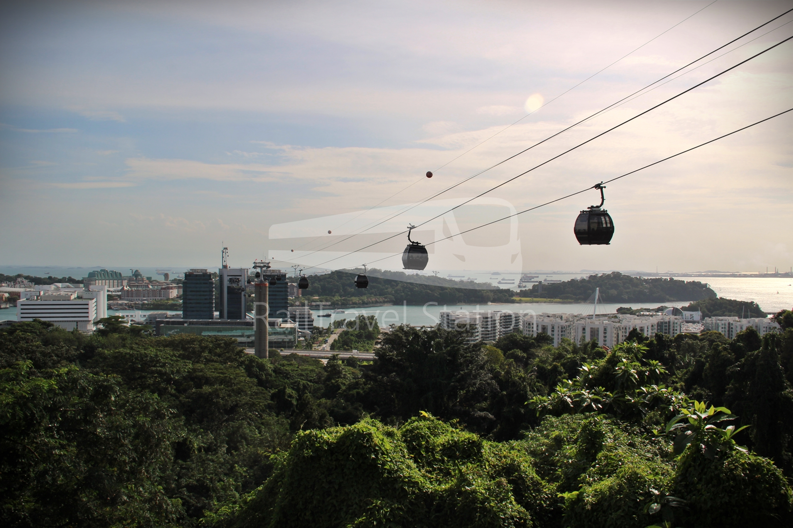 Singapore Cable Car Mount Faber Line: The Cross-Harbour Cable Car Line linking Mount Faber, HarbourFront and Sentosa Island