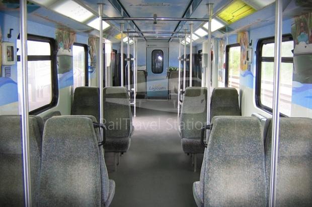 82 Class Interior Old 01